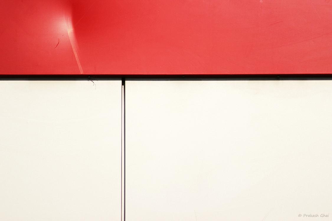 minimalism-minimalist-photography-red-white-wall-lines-hurt-feelings.jpg