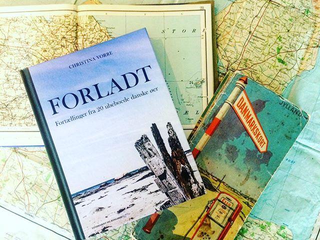 I morgen skal jeg til Juelsminde bibliotek for at fortælle lidt om vores øer - specielt de forladte🏝 Måske ses vi? @hedenstedbibliotekerne #ubeboetø #forladt #foredrag #juelsmindebibliotek
