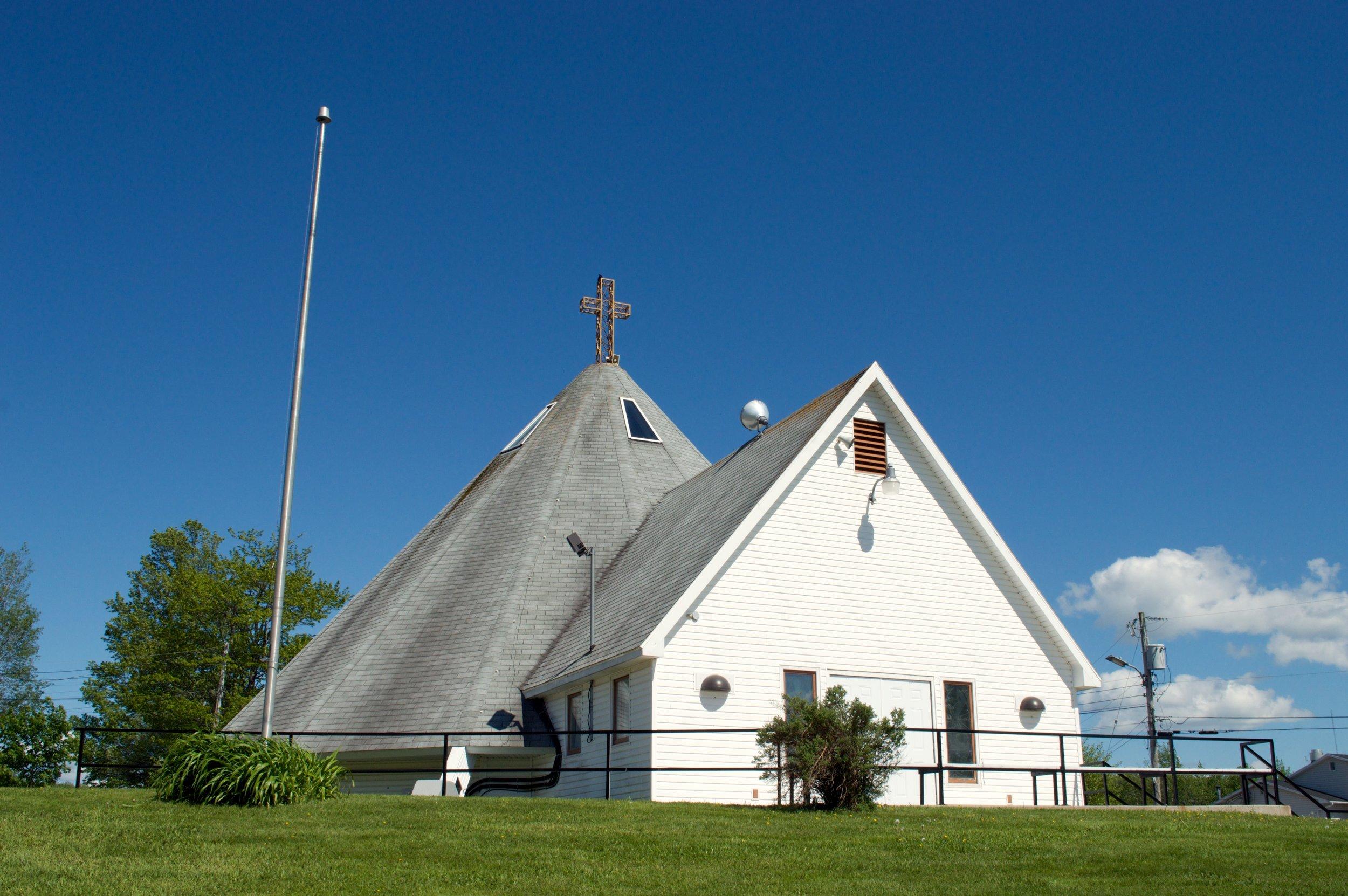 Sacred Heart Church 001.jpg