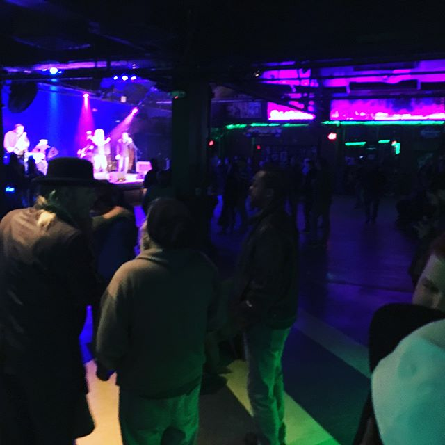 Solid turnout for the Stand Up for Steve Benefit last night 👌🏼 . Over $8K raised! Great job to everyone for supporting local music! 🙏🏼 . . . . . . . . . #ctmusic #toadsplace @horizonmgstudio