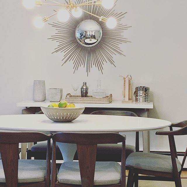 Still a starburst lover #styling #casualdecor #designdotdesigner with @debbiejacksoninteriors