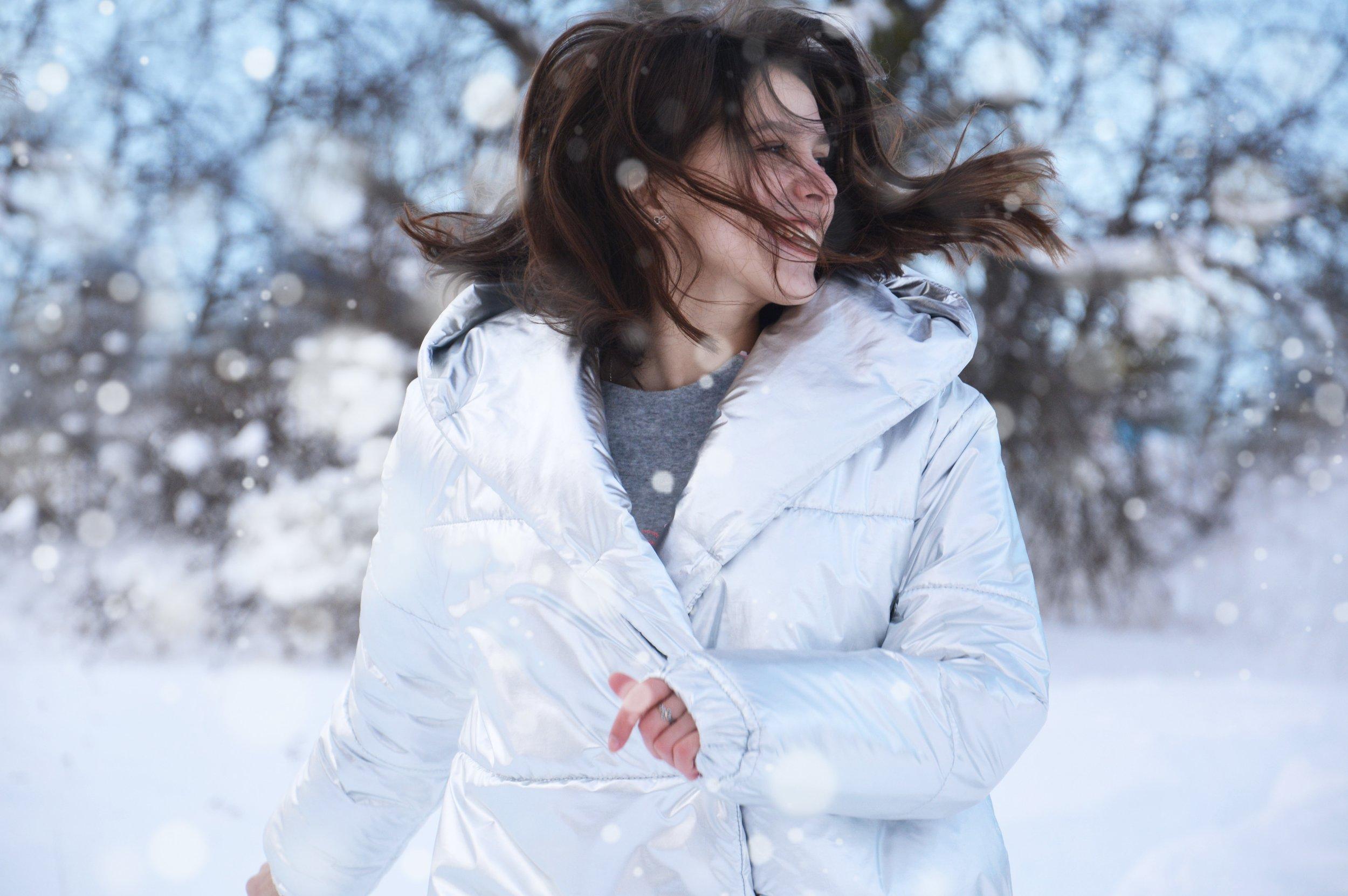 beautiful-coat-cold-847414.jpg