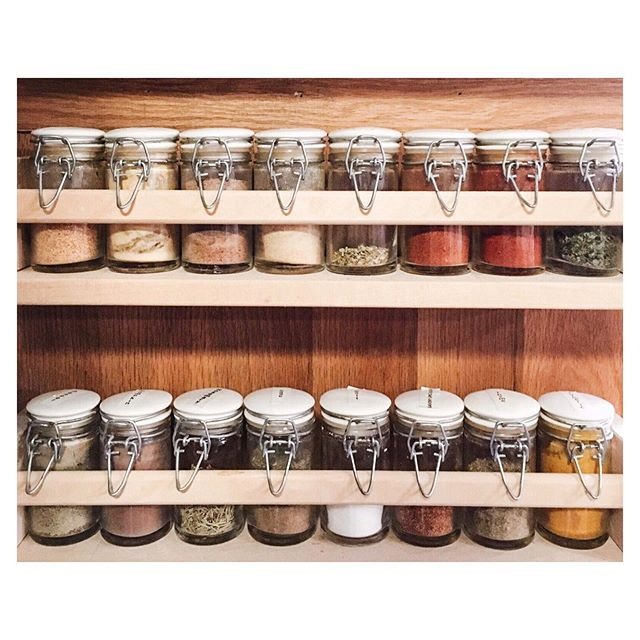 We're continuing our kitchen series this week with how to KonMari the food in your pantry! Storing food can quickly become overwhelming, but if you give your pantry a good tidy, your kitchen will be a more relaxing place, and food waste will go down. Today's Tidy Friday identifies 4 common problem areas, and some tips to overcome them. 🔗 in bio! . . . . .  #mariekondo #konmari #konmarimethod #tidyingup #minimalism #organizetheworld #sparkjoy #organizing #arkansas #littlerock #kitchen #pantry #foodstorage #pantrstorage #spicerack #ipreview via @preview.app