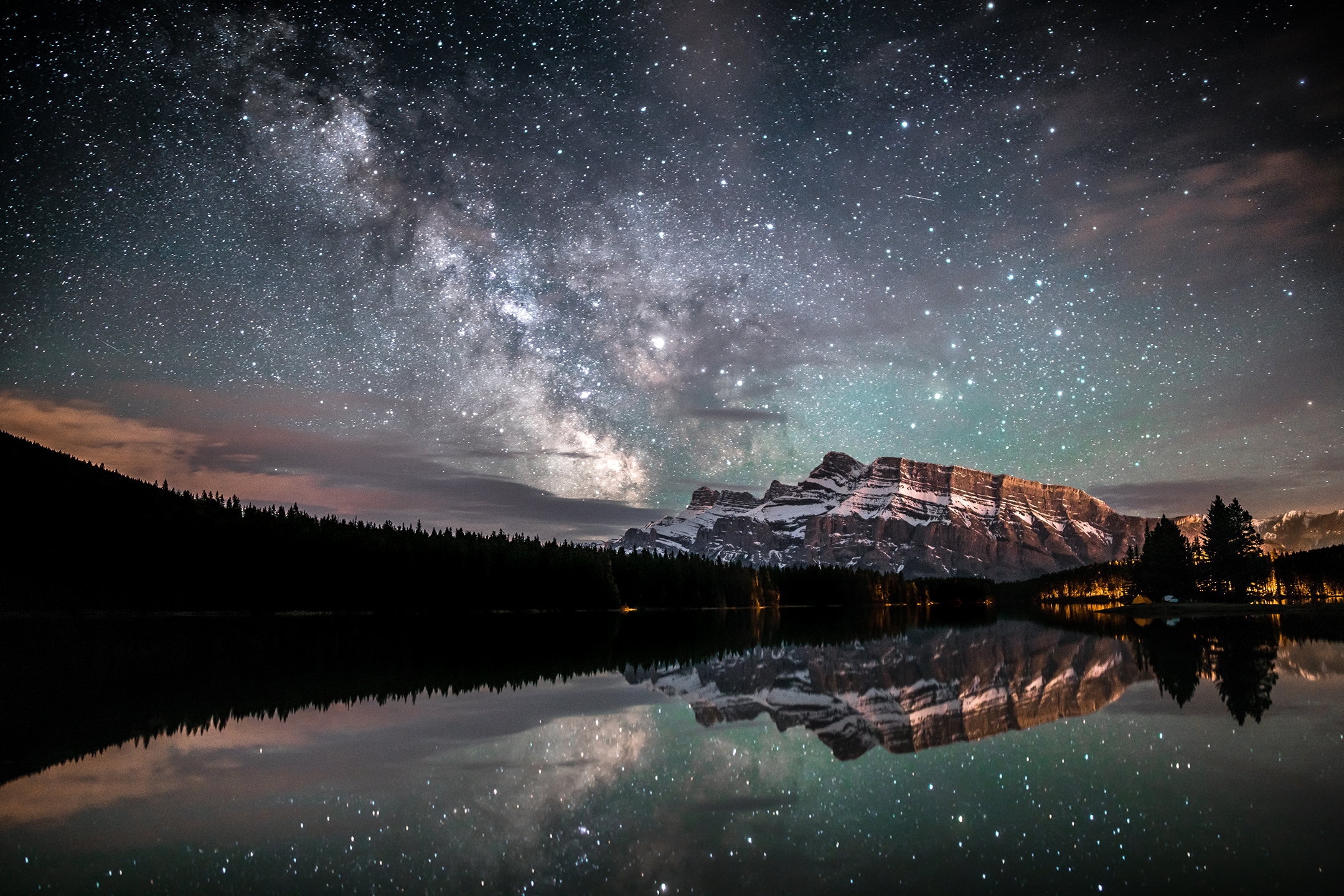 Two Jack Lake - Banff National Park, Alberta, Canada // Photographer: Jason Wilson // Sony a7R II + Rokinon 24mm f/1.4 // ISO 1000, f/1.4, 20