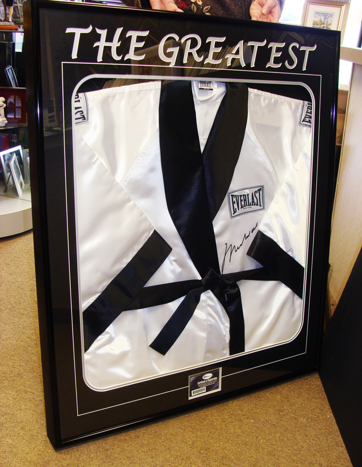 jersey-framing-service-windsor-ontario-picture-this-framing-boxing.jpg