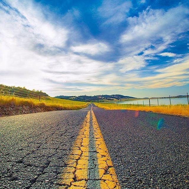 Sometimes the road less traveled leads to the best adventures. #WhereWillDriftingTakeYou 🌏 📸@gocalaveras via @hereincalaveras
