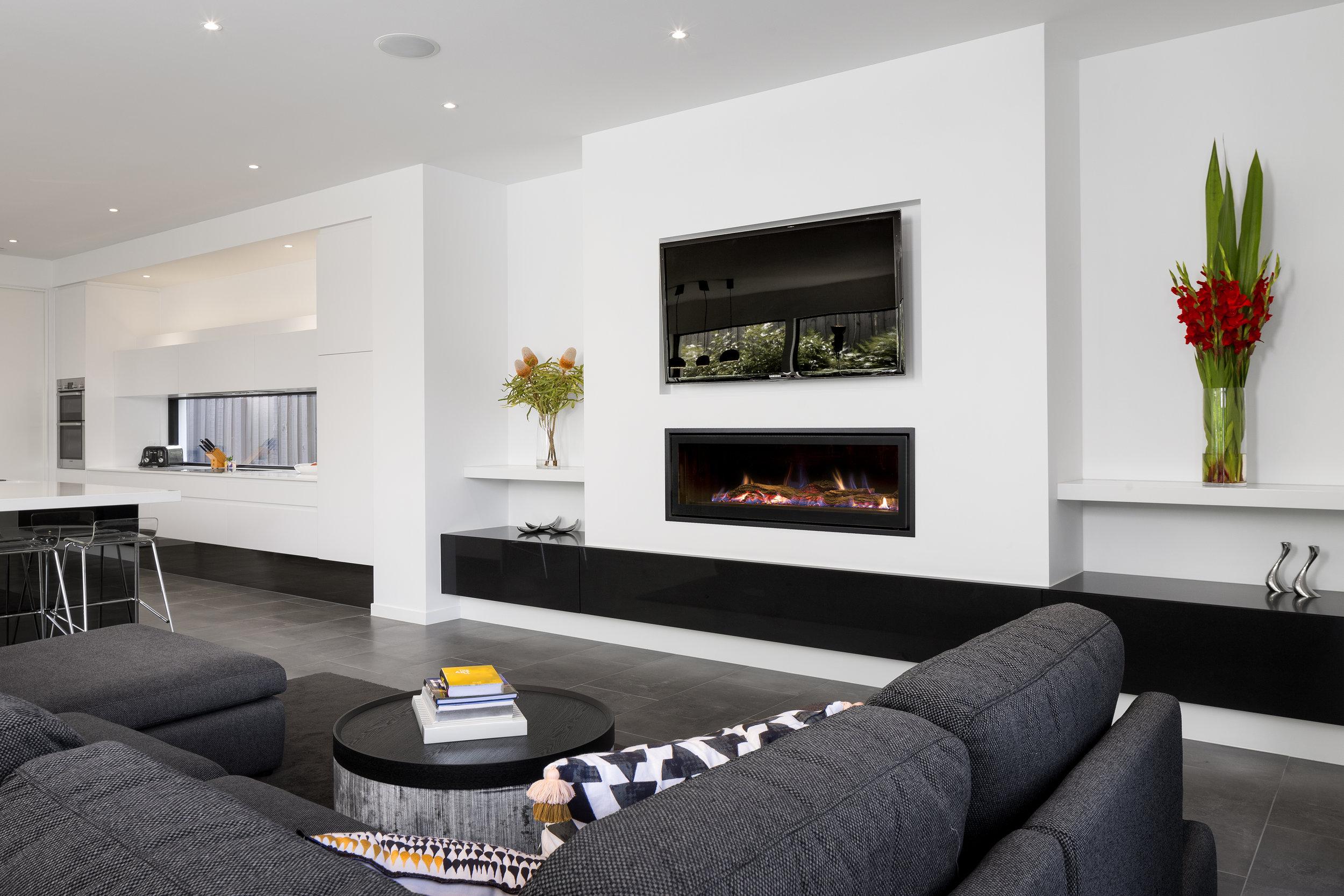 heatmaster-seamless-gas-fireplace-install.jpg