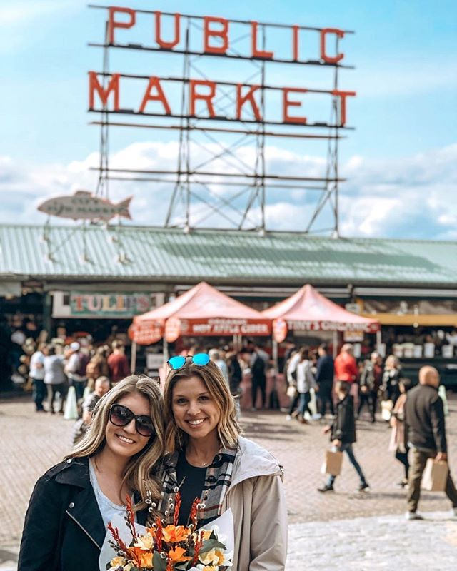Thinking I have her convinced to move to Seattle!! @kat.mccurdy hehe. Spent the day walking around pike place, eating biscuits, ordering coffee twice, getting ice cream before din and picking up goods to make a homemade dinner. Got ourselves some fresh wild caught salmon, fresh veggies, a bouquet of 💐 and had a few glasses of 🍷 to top it all off. Intuitive eating and celebrating food with friends in a new city is cool. 🥰 Happy weekending!