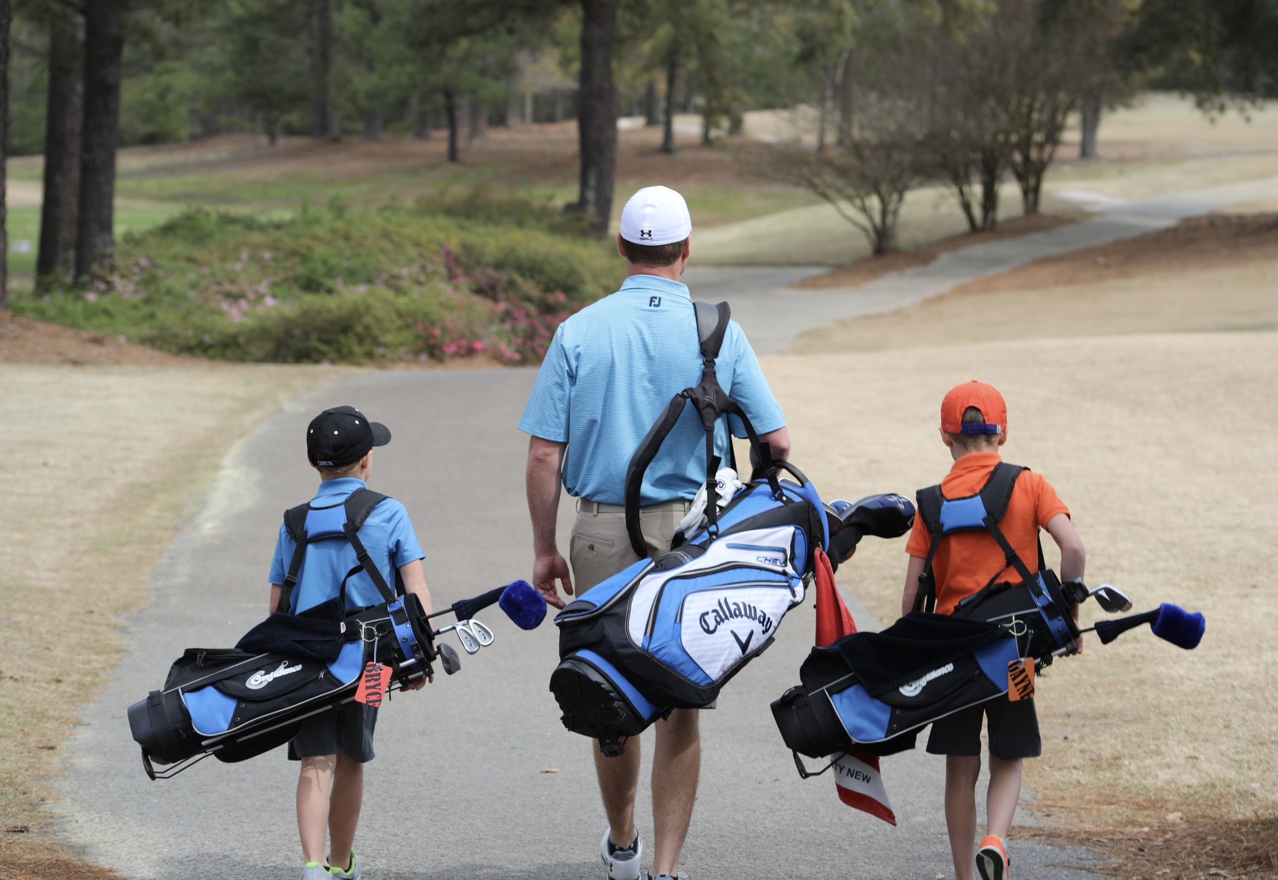 We welcome the whole family to come golf together!