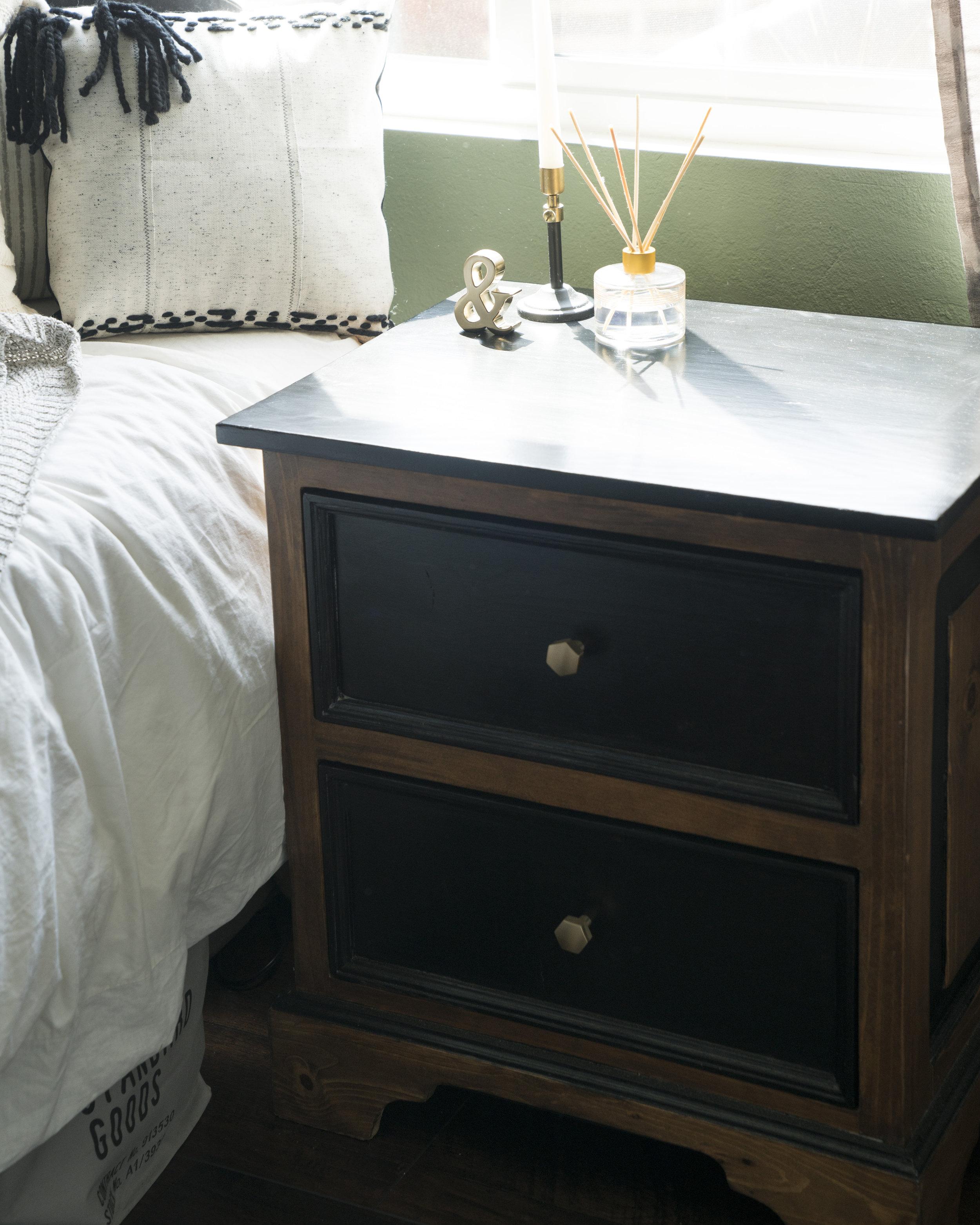 Sammy nightstand