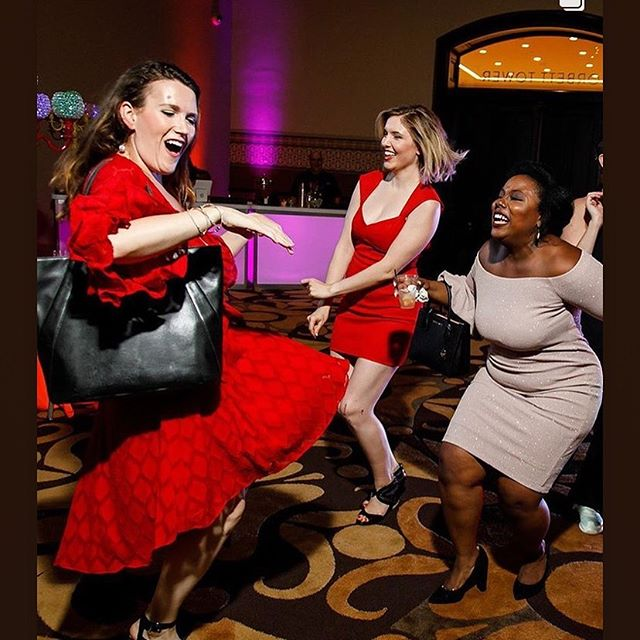 Sometimes you just need to dance it out with your girls @cjlopatka @victoria__okafor @cincinnatiopera Pride Night with Cincinnati Opera was so fun (I didn't even have time to set my purse down) 😍❤️🍾🎈 . . . . . #operasingersofinstagram #opera #dance #pride #music #girlsquad