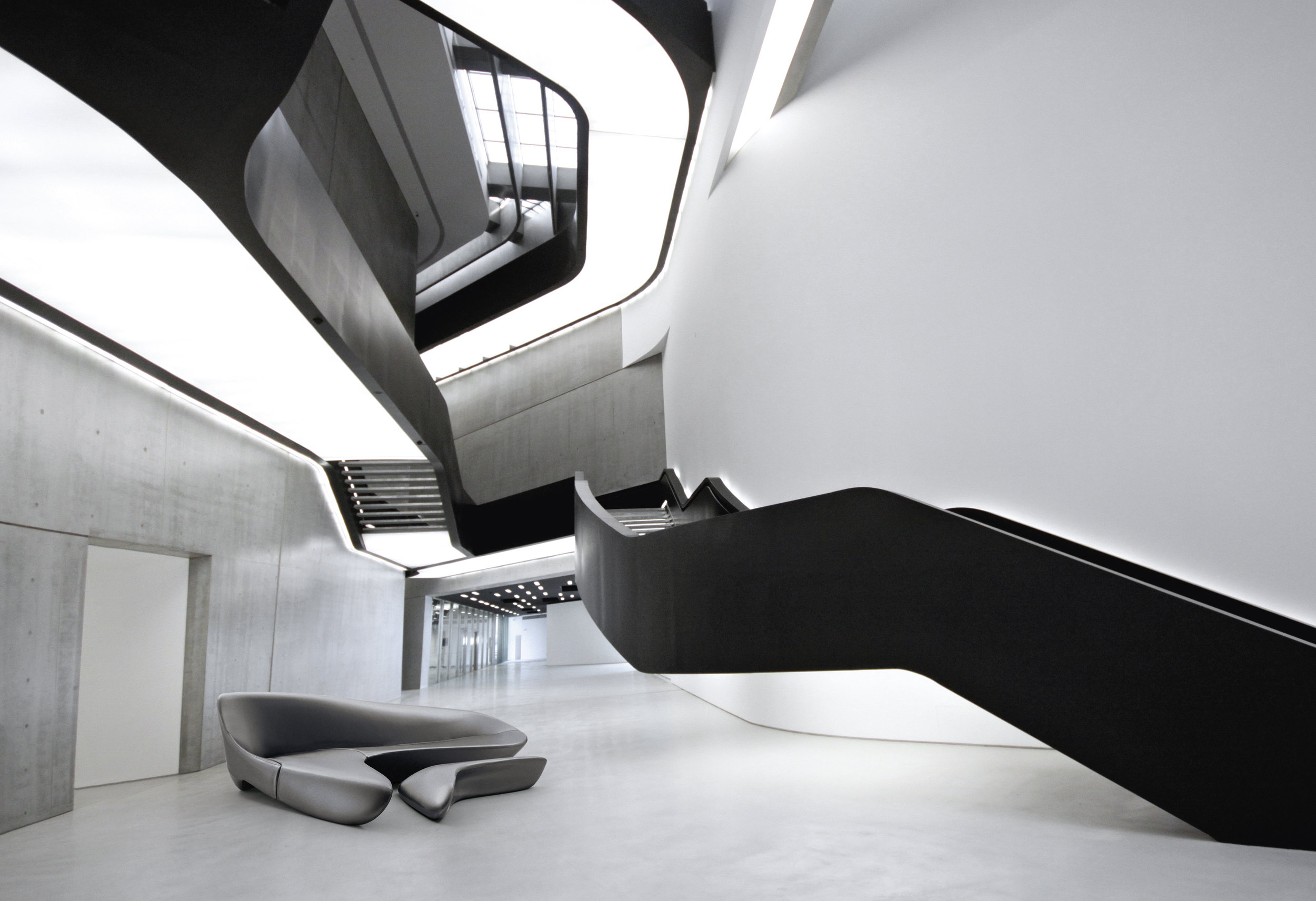 - With its unmistakable distinctive profile, like the buildings designed by her, Zaha Hadid creates a highly dynamic corner sofa.