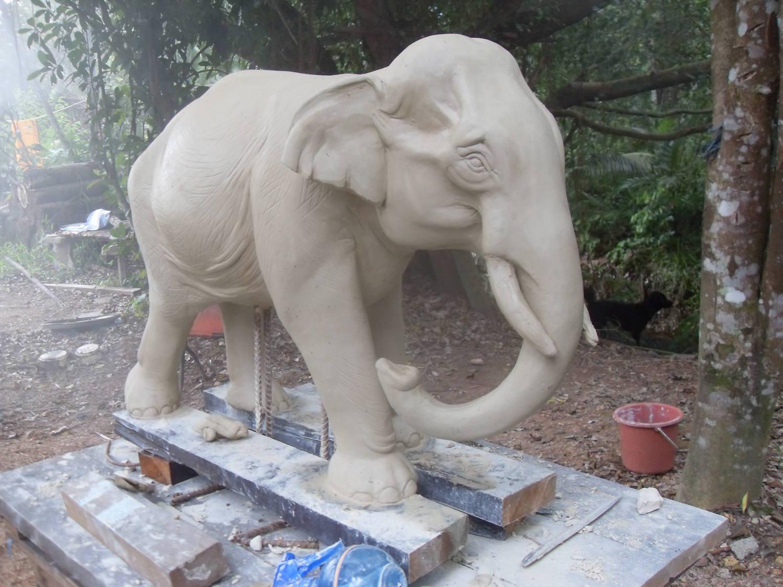 Elephant_8.jpg