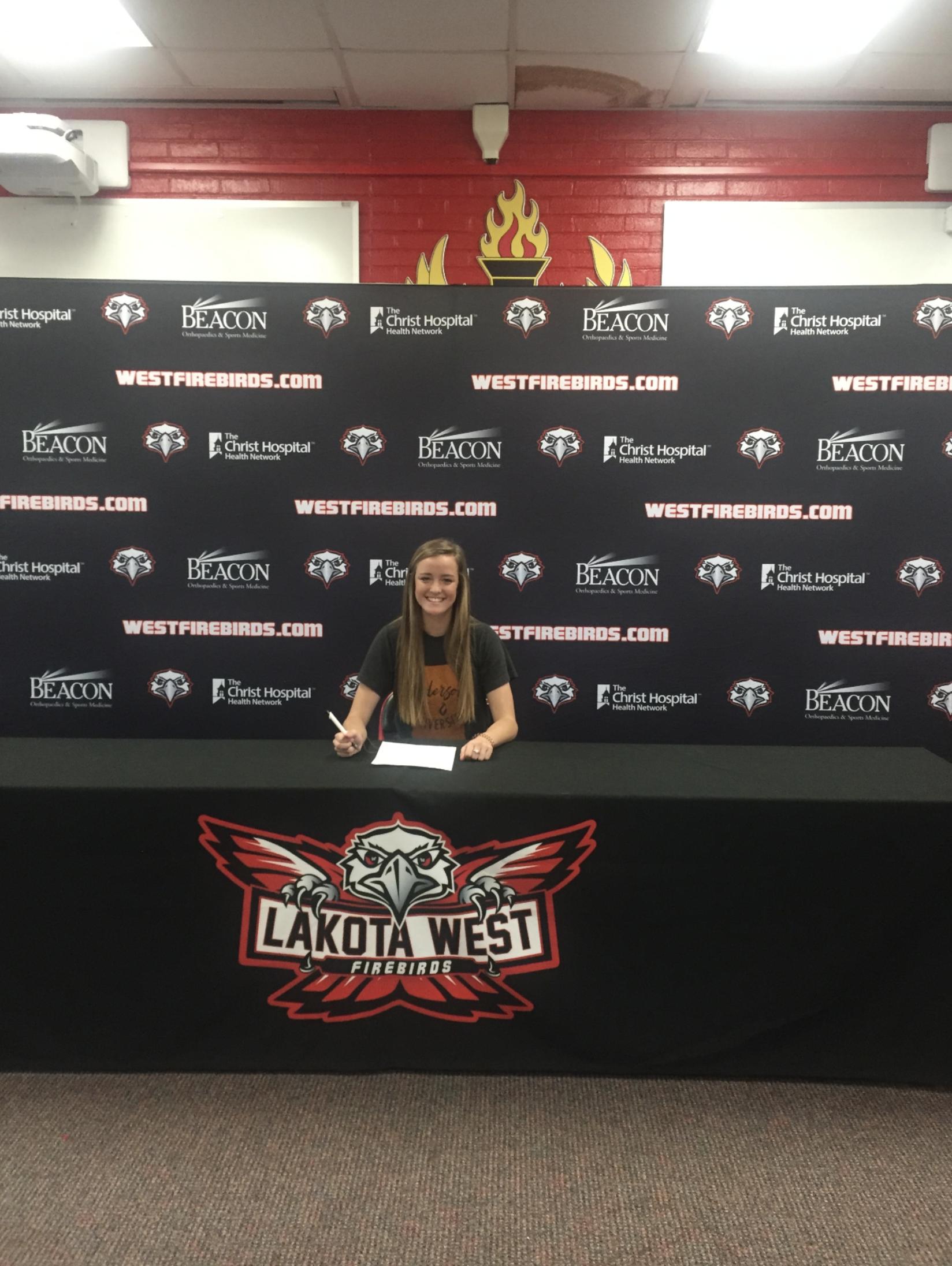 Brooke Neu Signing!