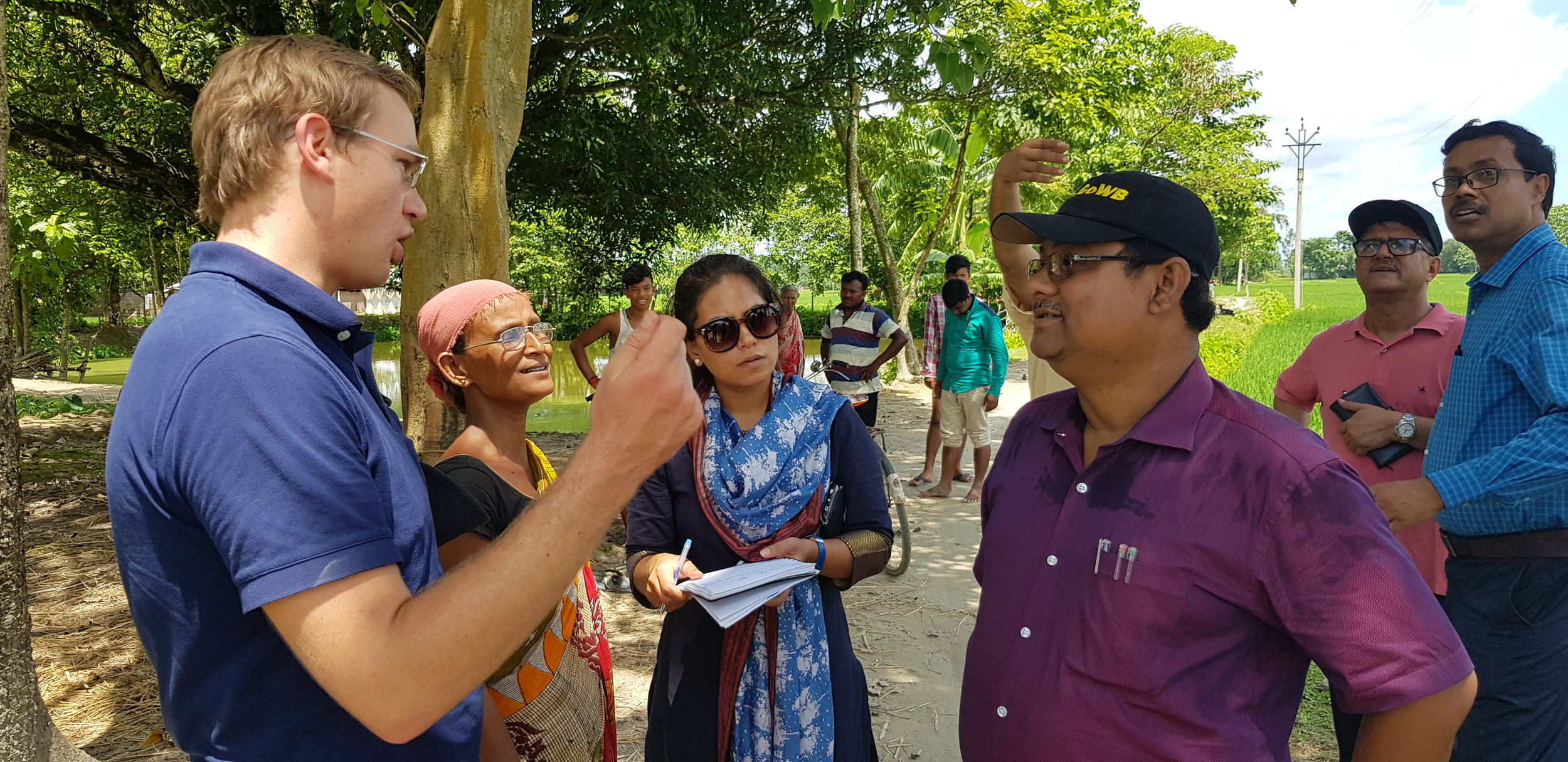 Daya Roy is has recently started practicing Unpuddled mechanically transplanted rice production after seeing great results from the SRSFI trial sites. Here, she discusses some of those benefits with West Bengal SRSFI project partners from UBKV, DoA and CIMMYT (including new CIMMYT research fellow Dr Brendan Brown).      Photo Credit:    Dr Brendan Brown  Location : Coochbehar, West Bengal, India