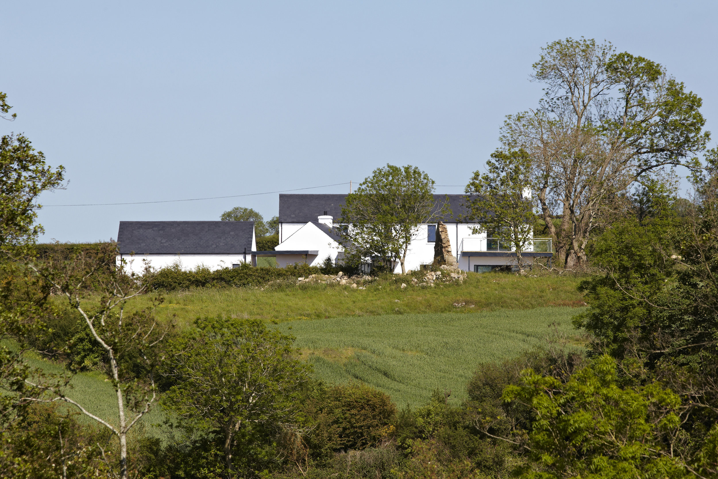 Paul_McAlister_Architects_Drumlins_Eco-House_view.jpg