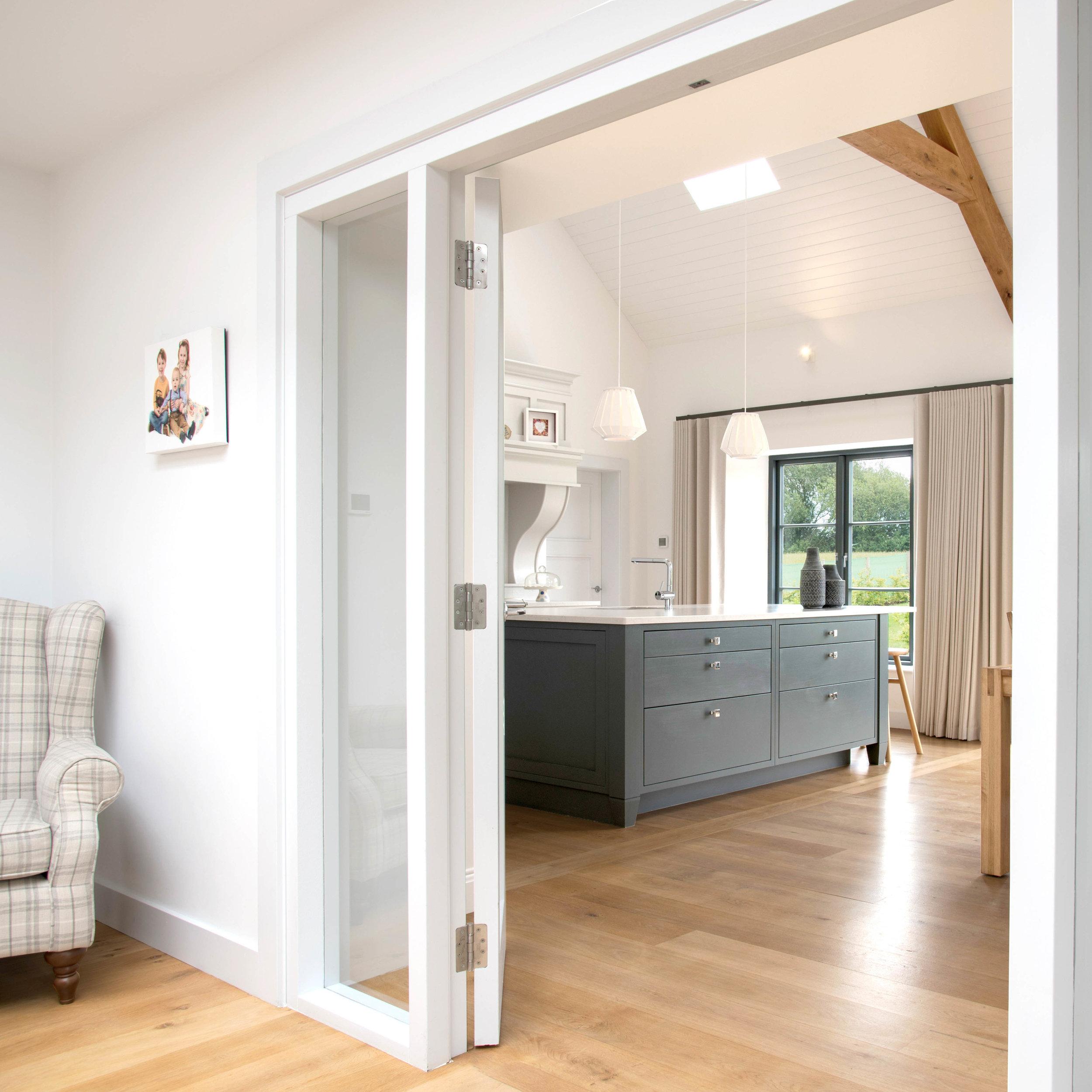 Paul_McAlister_Architects_Entrance_kitchen-1.jpg