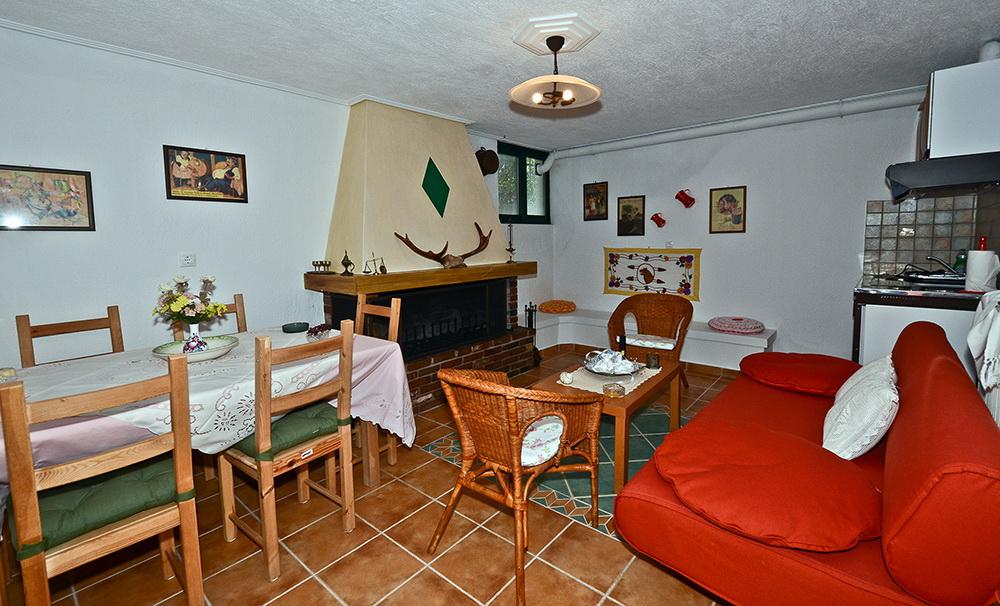 apartment villa loutsa.jpg