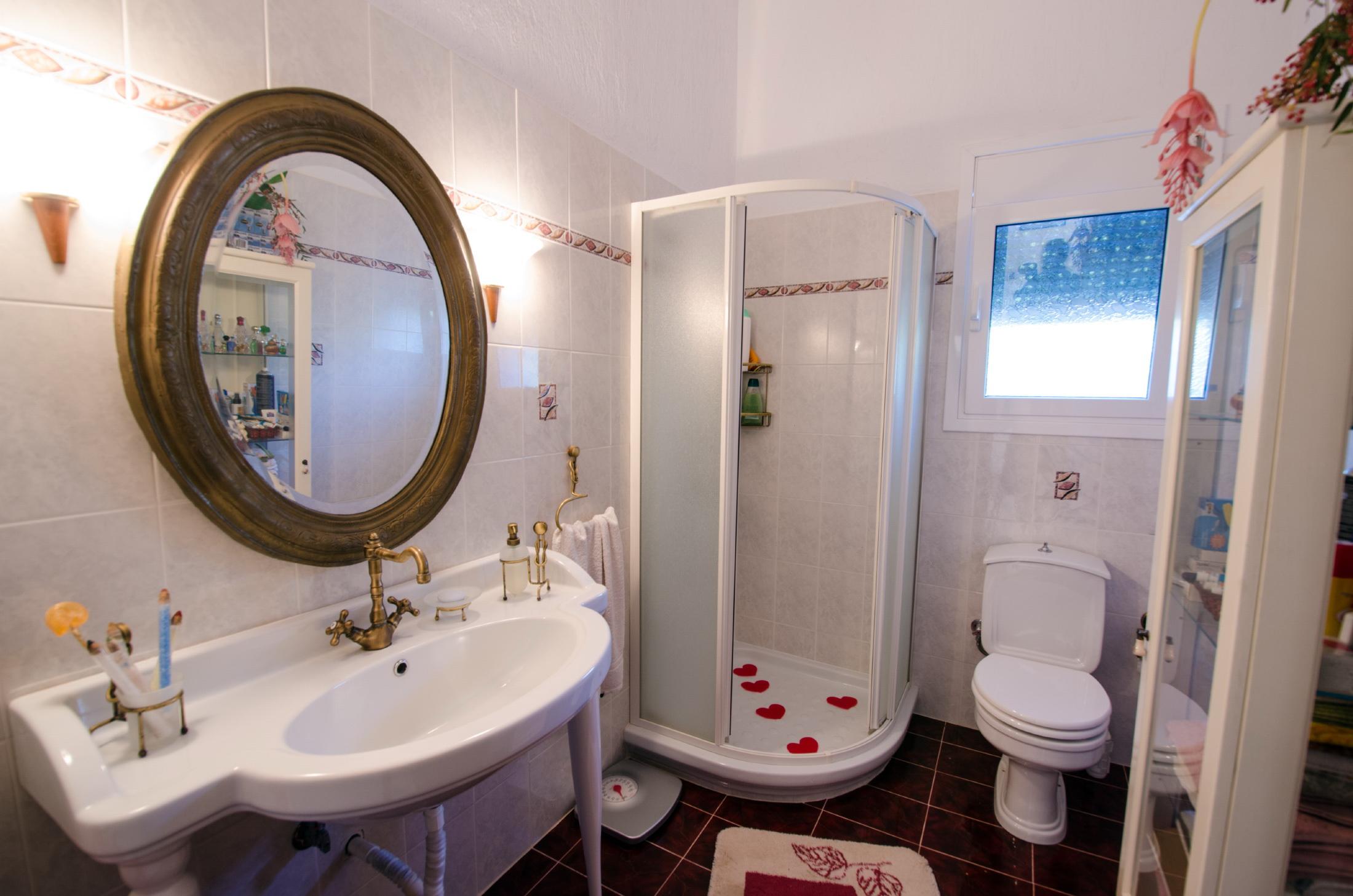 bathroom loutsa.jpg