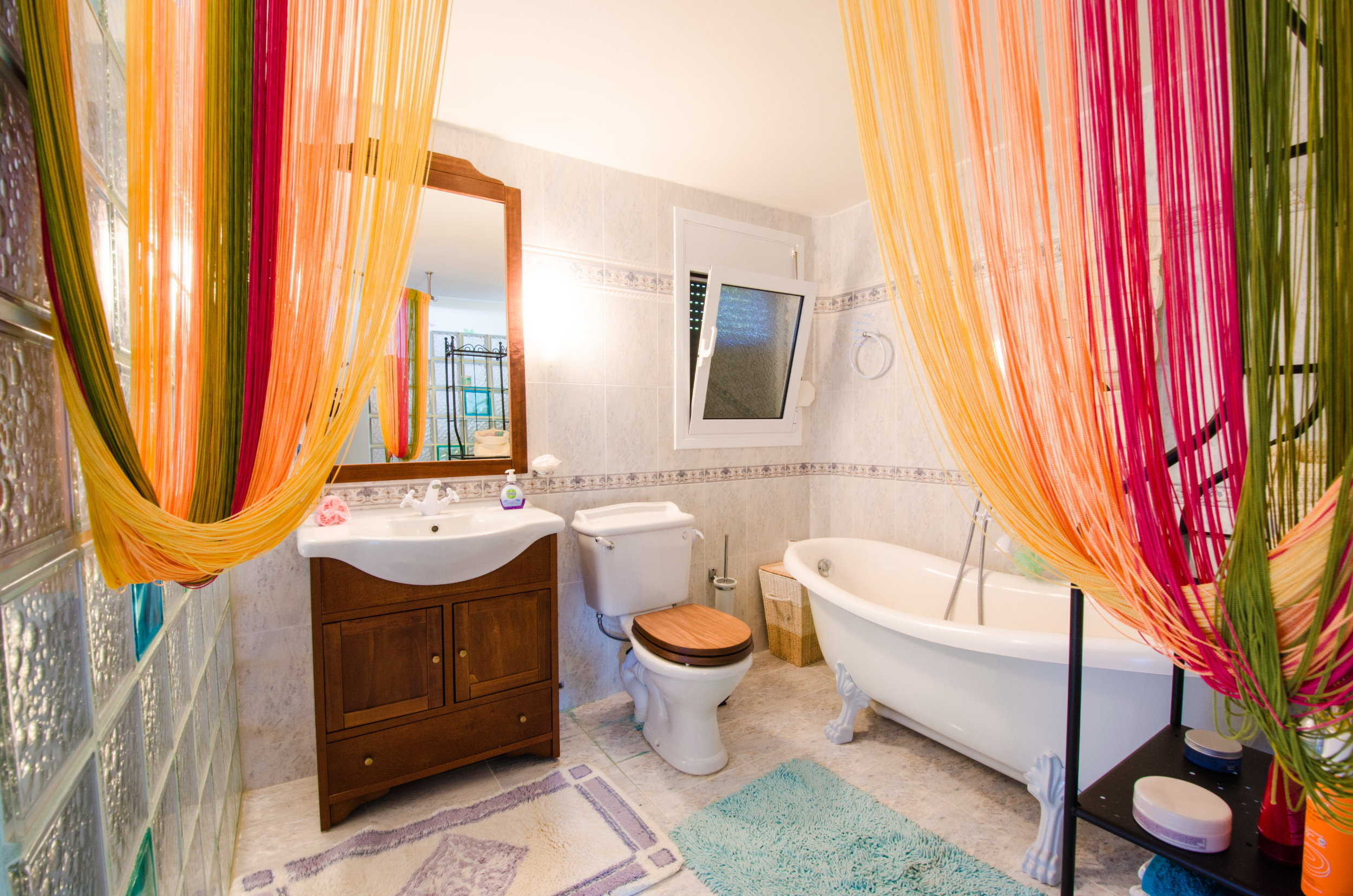 bathroom honeymoon bedroom villa loutsa.jpg