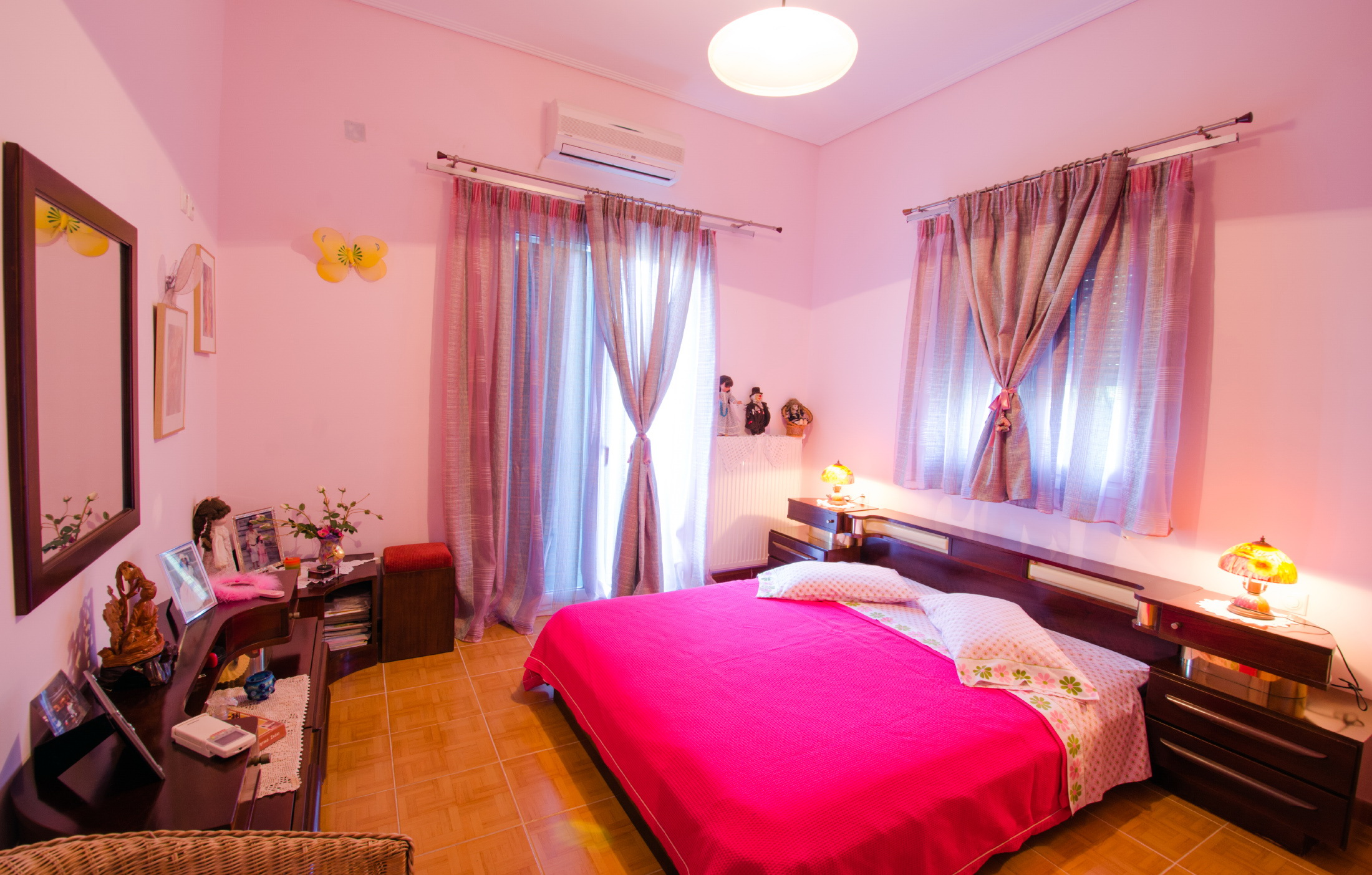 bedroom loutsa.jpg