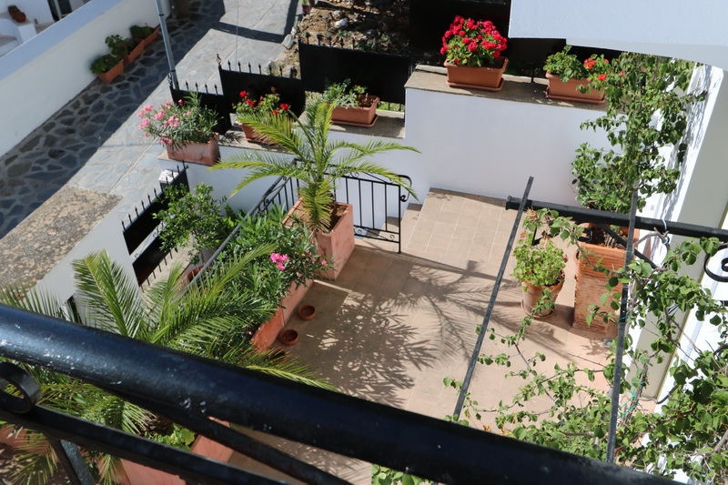 architect_designed-townhouse_roof_view_5.JPG