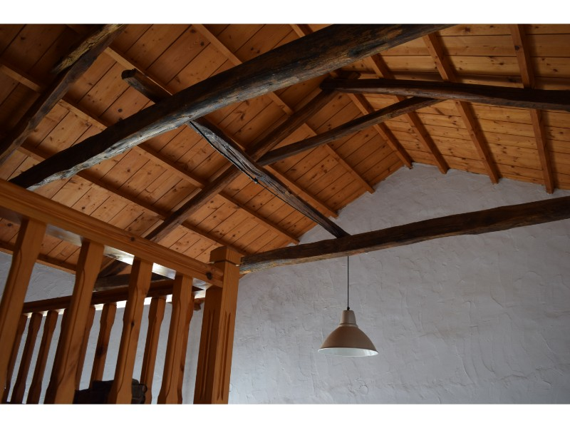 charming_house_with_stunning_view_in_old_klima_wooden_ceiling.jpg