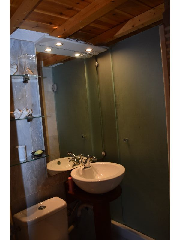 character_full_two-bedroom_house_bathroom_2.jpg