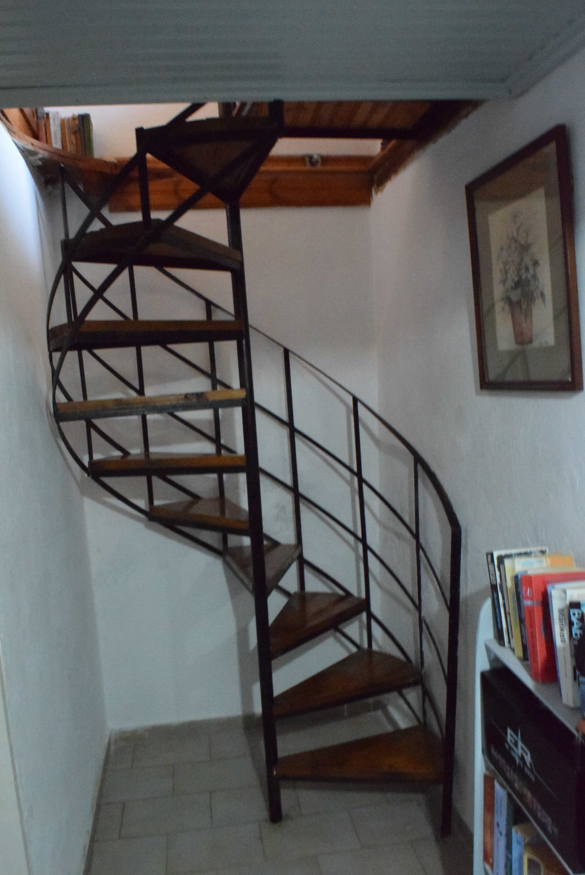 wonderful_family_home_with_seaview_stairs.JPG