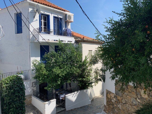 Romantic house with lemon tree  Property number 52  Price: euro 130.000    Read more: