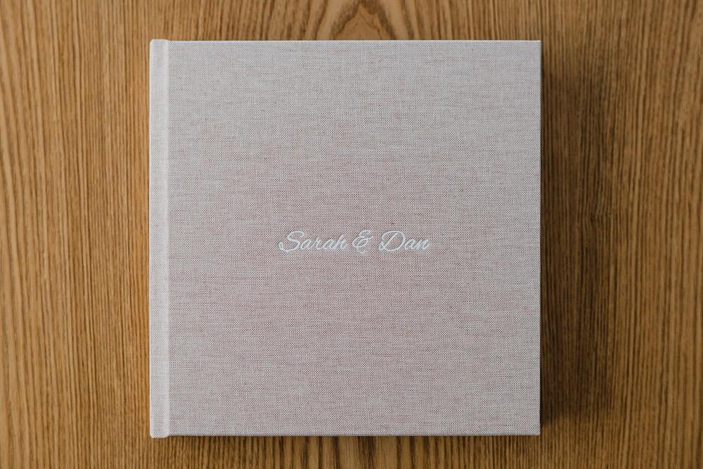 01-brisbane-wedding-photographer-album.jpg