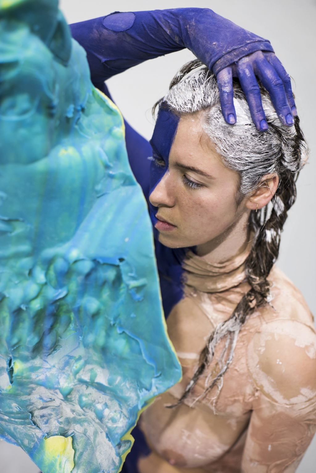Donna Huanca - Scar Cymbals - performance 07.10.16 - Image Thierry Bal5.jpg