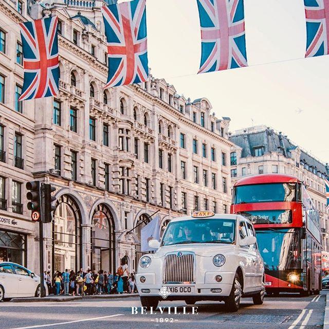 London love. #belville #likeback #instagramer #watchfan #veryrare #amazing #beautiful #rain #umberella #millionairelifestyle #goldstrap #audemarspiguet #factoryon #undoneaqua #london #watchcollection #timepiecescollection #watchobsession #watchforsale #affordableluxury #watchmaker #watchart #watchfreaks #watchessentials #watchmaking #timepieceperfection #watchgram #london #dailywatch #manlyfashion