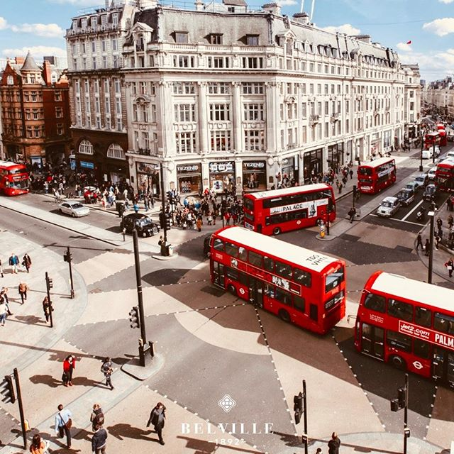Life on the Oxford Street in London.#belville #likeback #picoftheday #watchfan #london #amazing #beautifull #transparent #millionairelifestyle #goldstrap #audemarspiguet #factoryon #undoneaqua #london #watchcollection #timepiecescollection #watchobsession #watchforsale #affordableluxury #watchmaker #watchart #watchfreaks #watchessentials #watchmaking #timepieceperfection #watchgram #dapper #dailywatch #manlyfashion