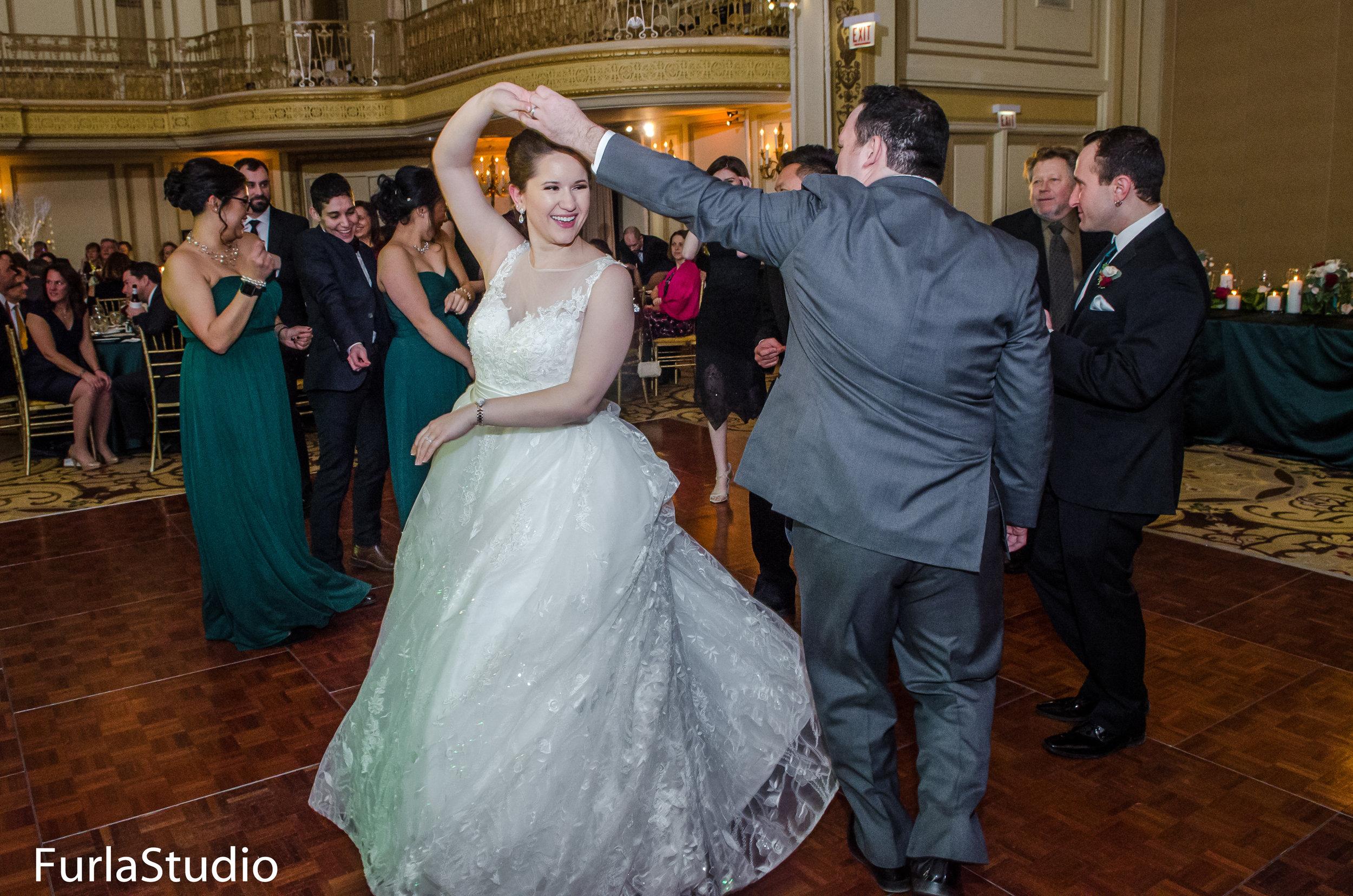 Palmer House Hilton Wedding Photos Chicago Wedding   Chicago Wedding Planner   Your Day by MK