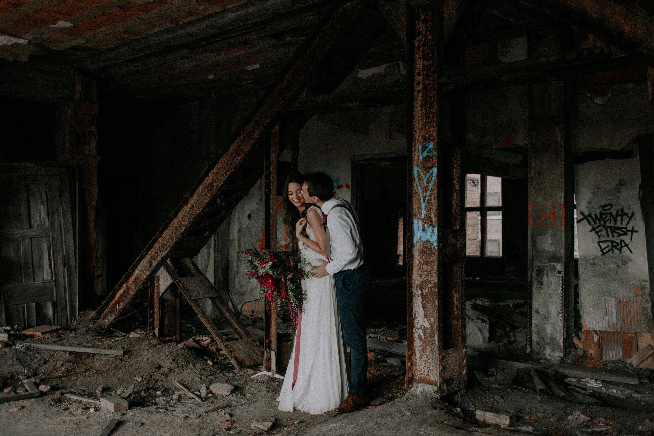 Chicago Elopement in Church Ruins
