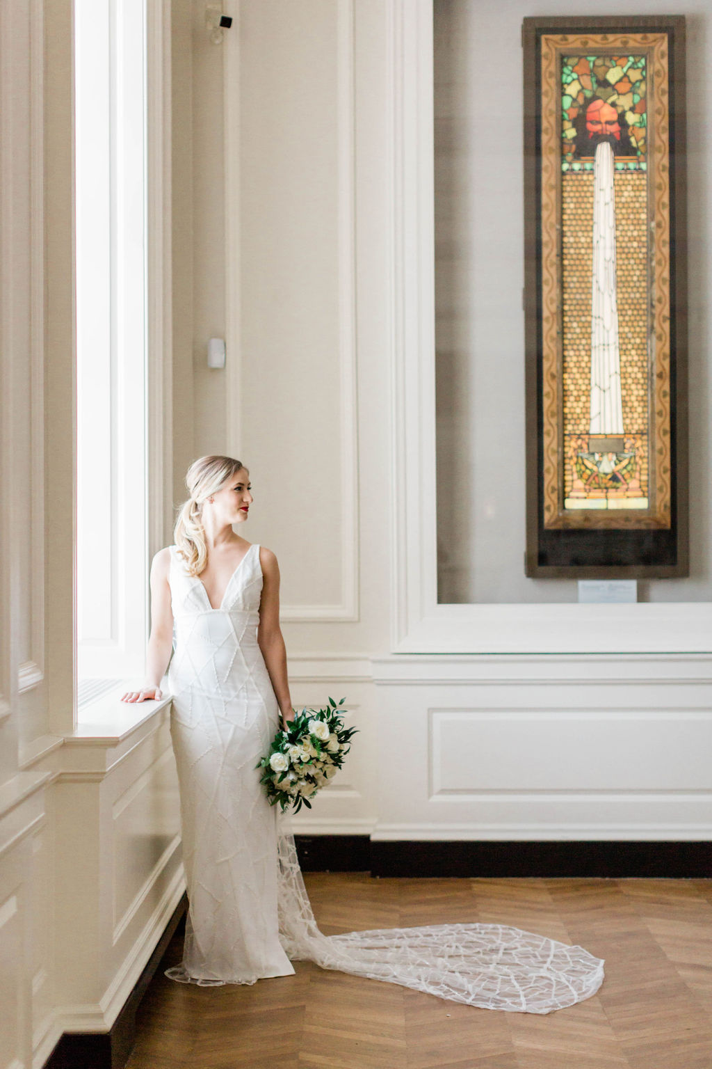 Loose Ponytail | Varca Bridal | Chicago History Museum | Black and White Wedding | Black Tie Wedding | Your Day by MK | Chicago Wedding Planner |