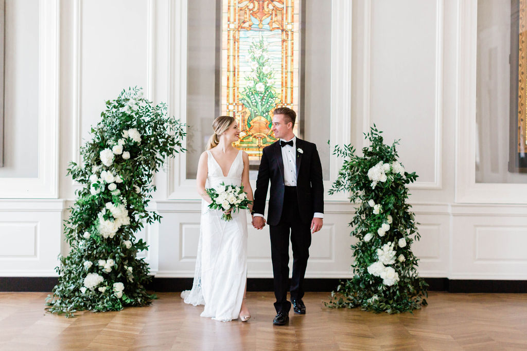 Green and White Wedding Floral Arch | Ceremony Arch | Chicago History Museum | Black and White Wedding | Black Tie Wedding | Your Day by MK | Chicago Wedding Planner |