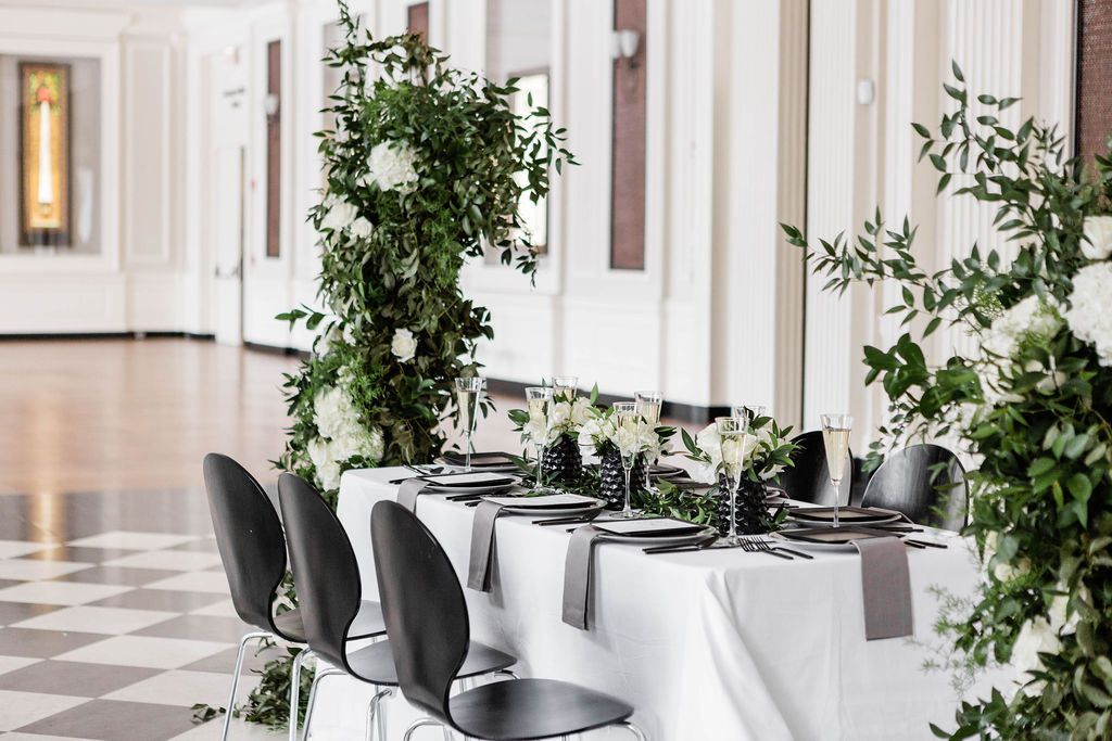 Black White and Grey Wedding Table | Chicago History Museum | Black and White Wedding | Black Tie Wedding | Your Day by MK | Chicago Wedding Planner |