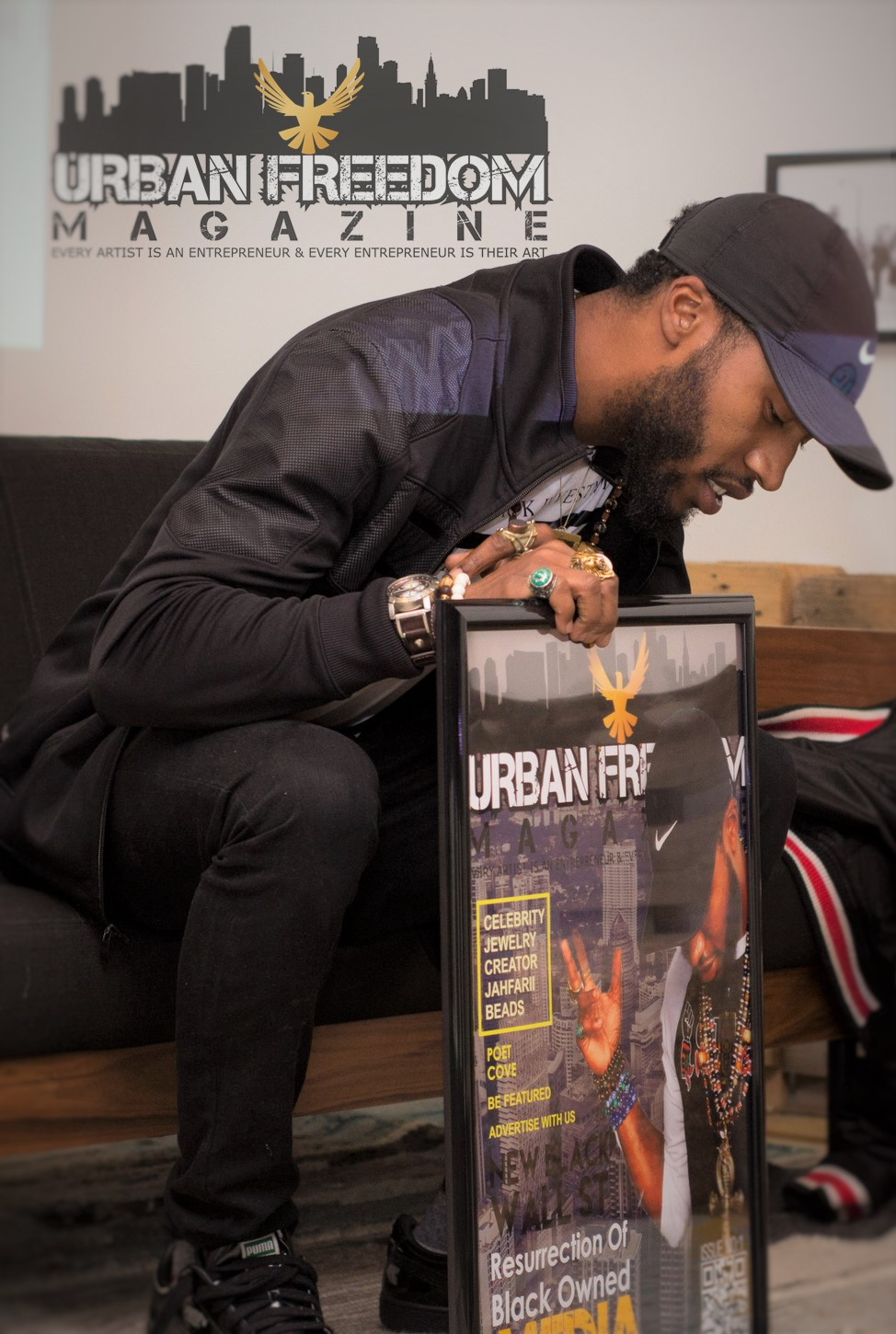 Jahfarii Receiving his Cover Gifts @ Urban Freedom Magazine Launch Party October 2016