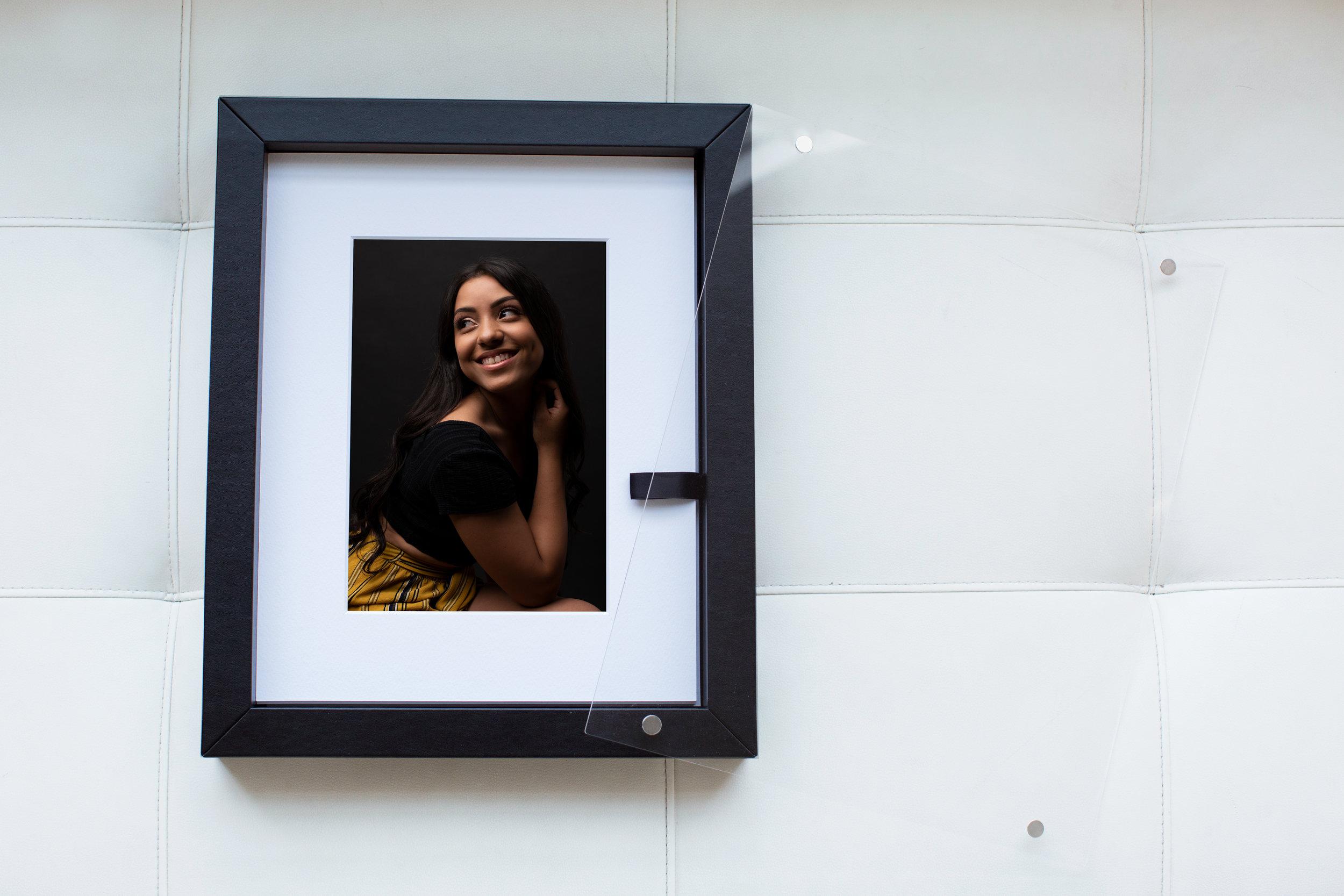 Frame-Folio---Black.jpg