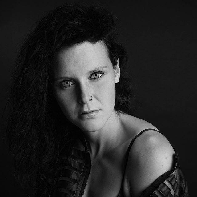 Portrait, Franzi #photooftheday #blackandwhitephotography #portraiture #portraitphotography #beautiful #eyes #beautifulhumans