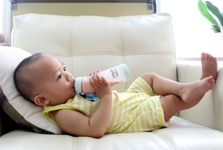 Baby_bottle_2.jpg
