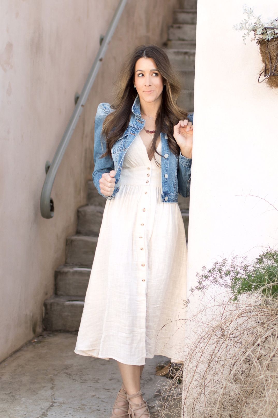 DRESS: FREE PEOPLE  HERE  AND  HERE  | DENIM JACKET: DILLARDS BRAND CYNTHIA AND VIOLET  HERE  AND SIMILAR  HERE|  SHOES: SAM EDELMAN SIMILAR  HERE  AND  HERE  |NECKLACE: DIANA WARNER (SIMILAR  HERE )| BRACELET: CARTIER LOVE BRACELET ( HERE ) | SUNGLASSES:  JIMMY CHOO