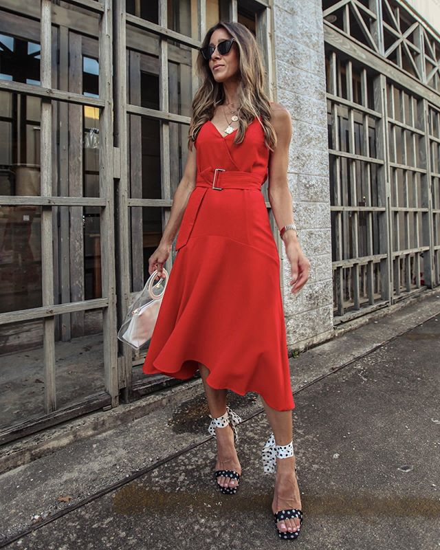 ❤️❤️Red hot date night look ❤️❤️ all of the details on the blog and on the  @liketoknow.it  app! http://liketk.it/2CYmr #liketkit #LTKunder50 #LTKunder100 #LTKstyletip #LTKshoecrush #LTKsalealert  P.S. use my code VictoriaP15 for 15% off the entire @shopsugarlips site!