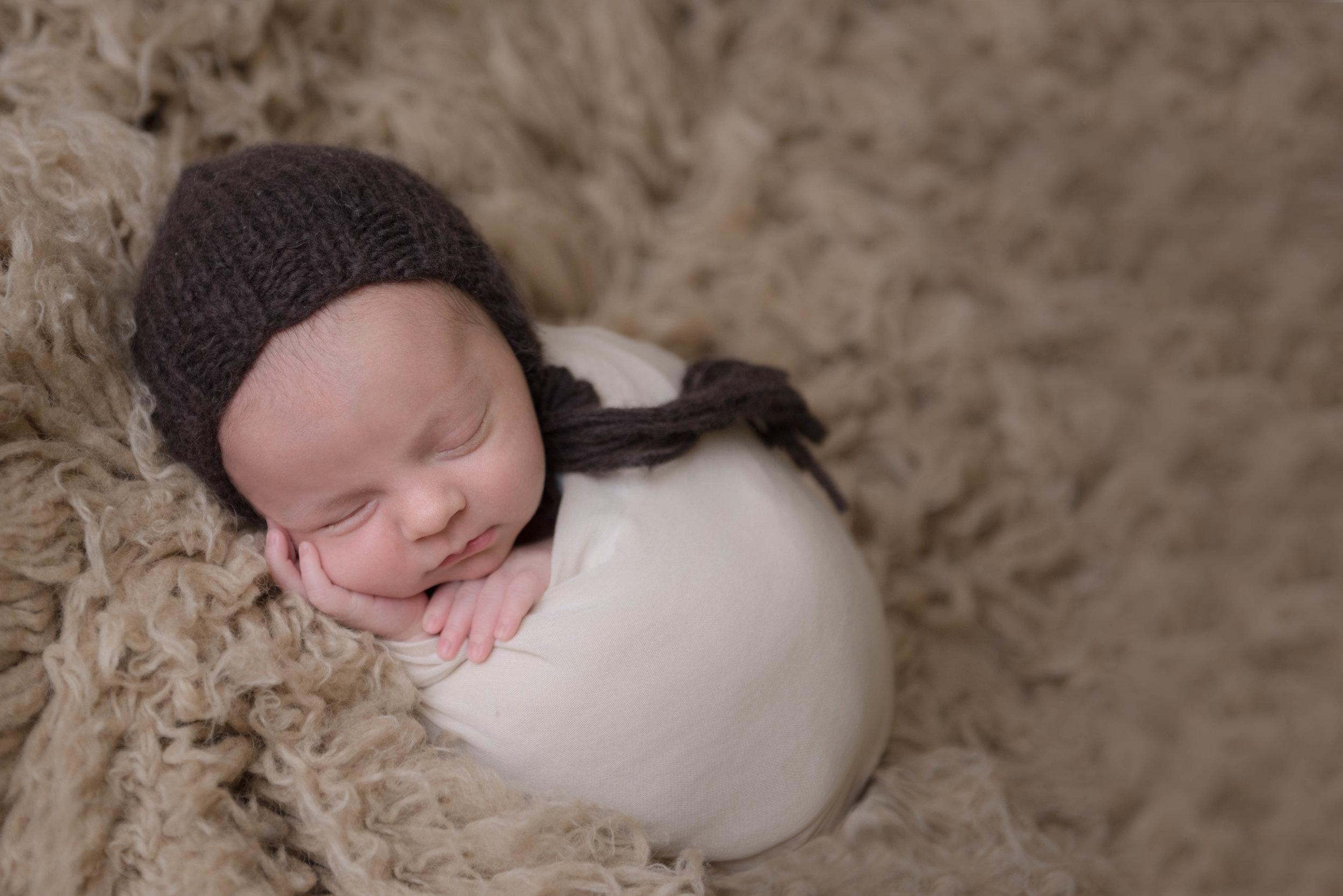 CT Newborn Photographer | Posed Baby Photos | Heather and Sarah Photography | www.heatherandsarahphoto.com