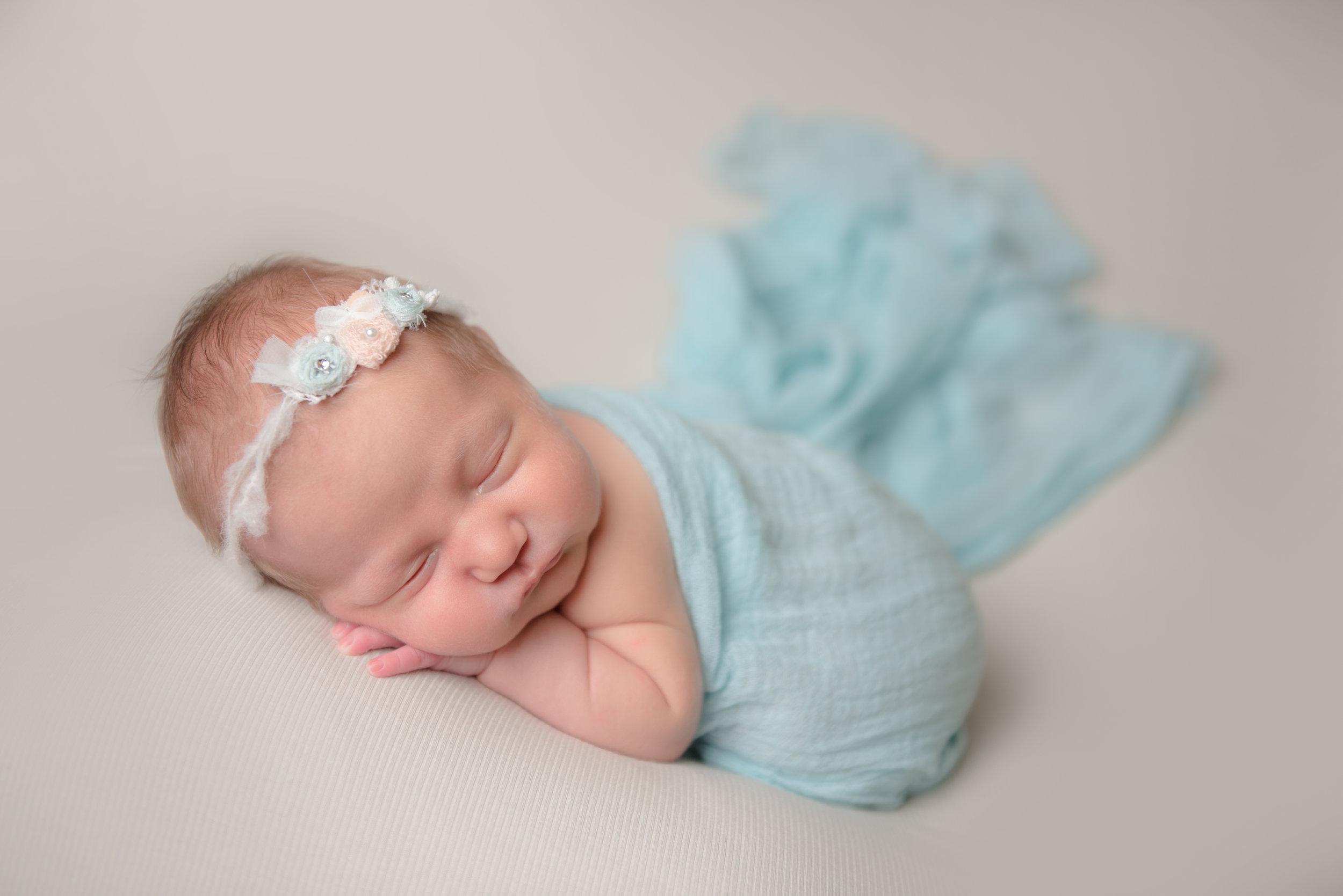 CT Newborn Baby Photography | www.heatherandsarahphoto.com