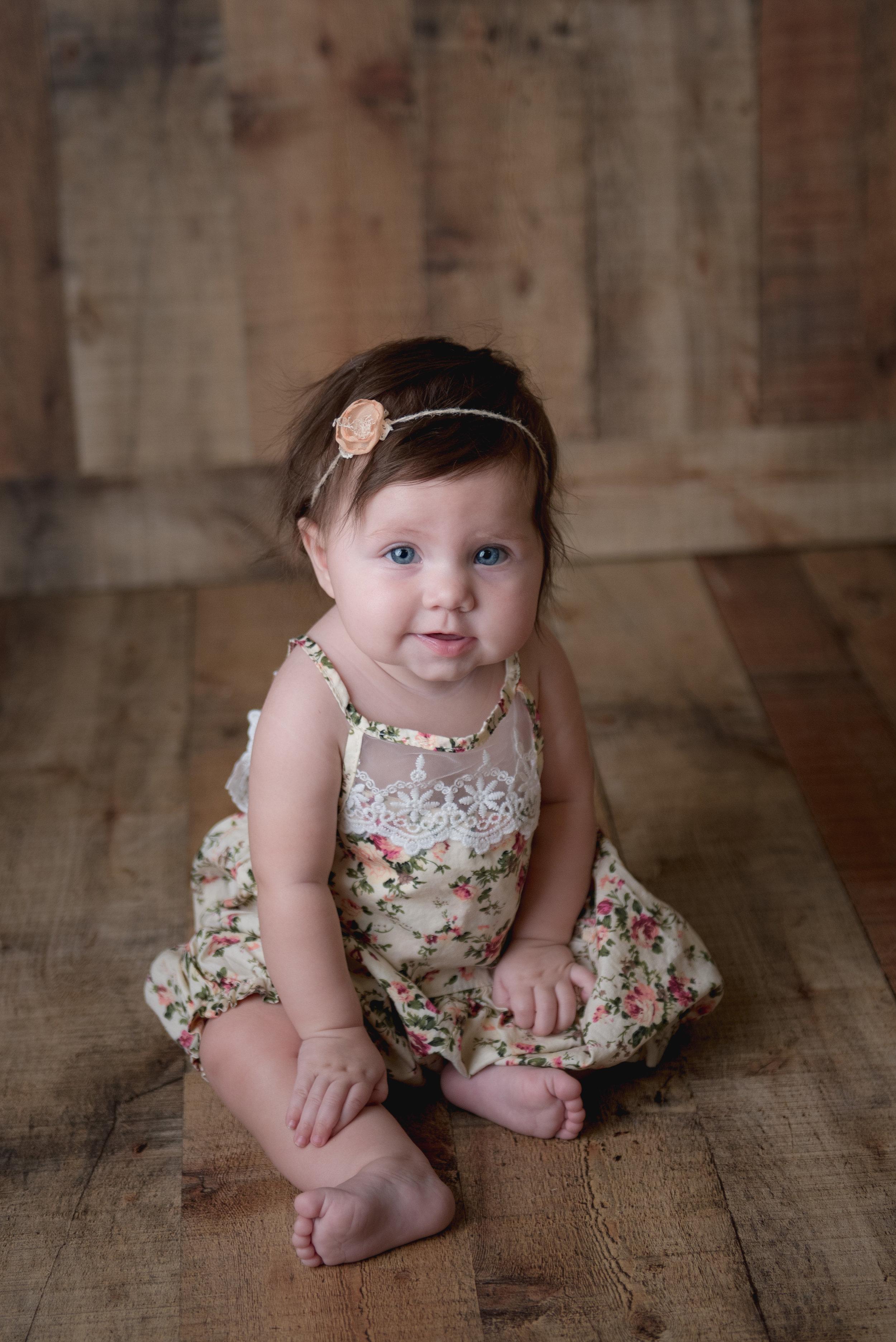 Sitting Milestone CT Baby Photographer | www.heatherandsarahphoto.com