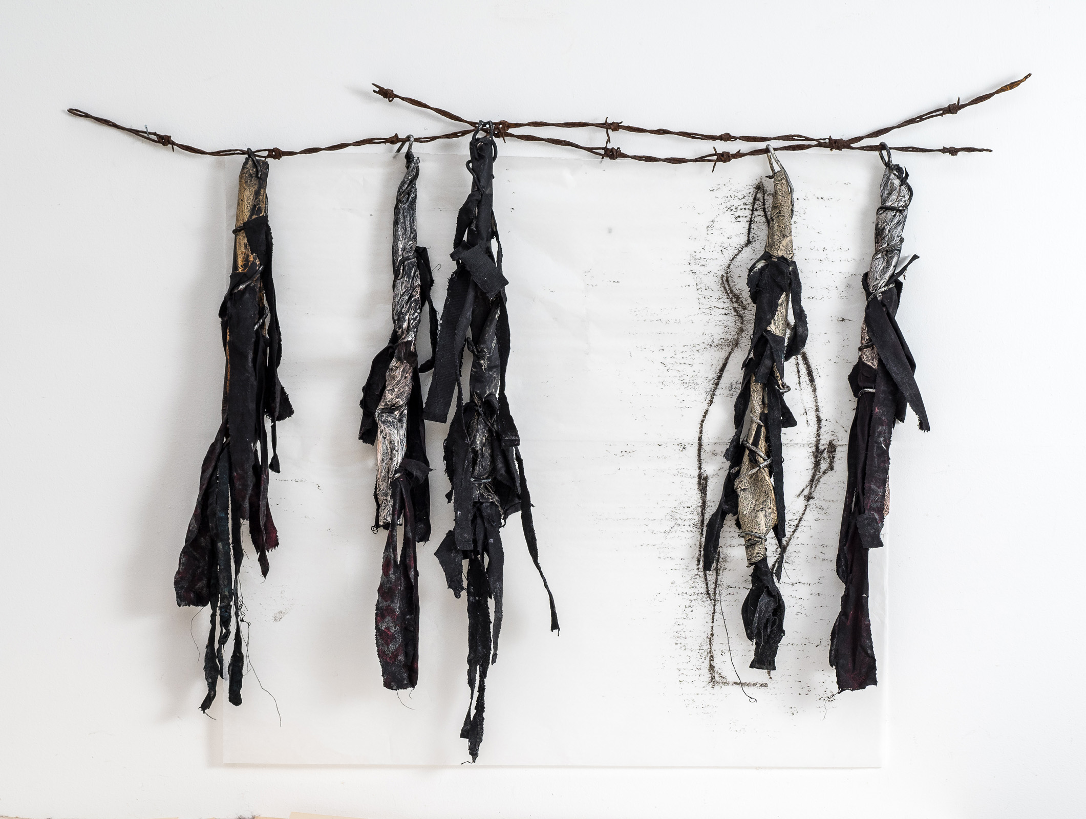 Untitled  Wire, paper, textile 57 x 80 x 6 cm 2017