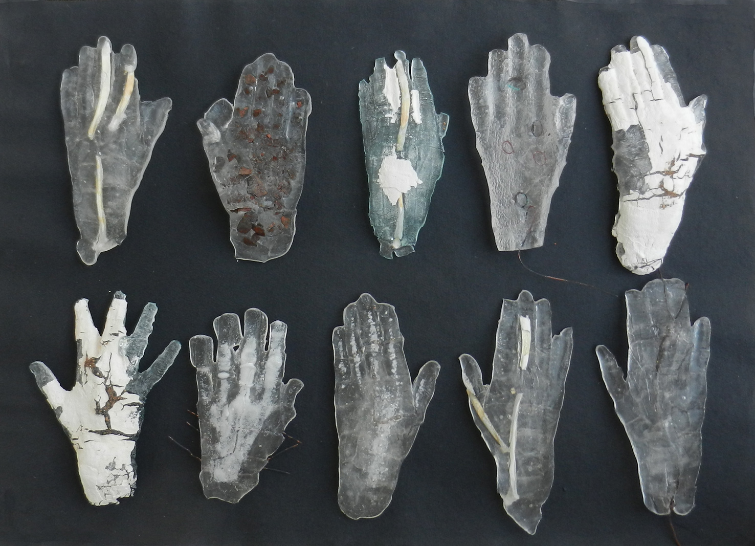Untitled Glass, wire, bone, etc, ten pieces approx 25 cm each, 2018